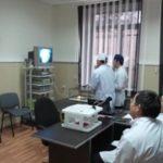 Одновременная работа двух групп курсантов обсуждение операции после работы на компьютерном тренажере и работа на «видеостойке»